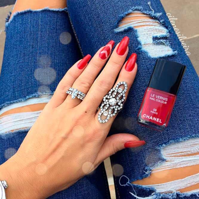 inele-argint-unghii-rosii